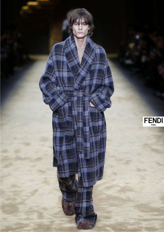 Ofertas de Fendi, Fall Winter 2016-17 Fashion Show